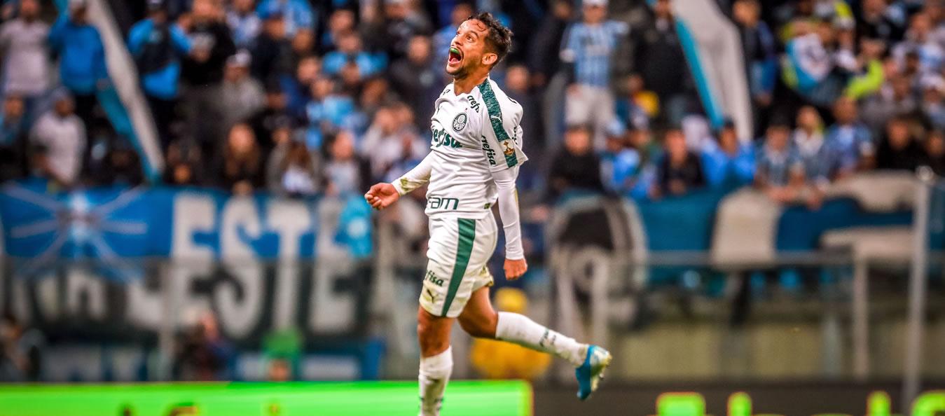 Vitória do Palmeiras com golaço de Scarpa