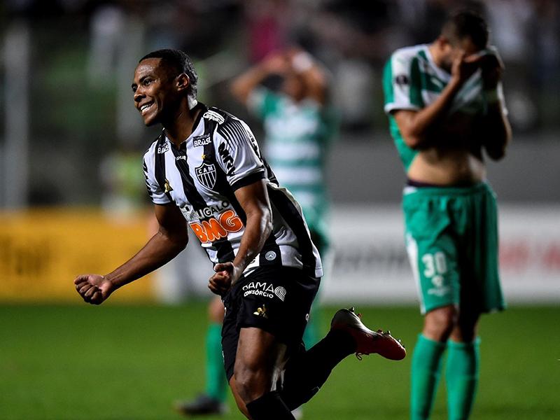 Atlético Mineiro bate o La Equidad de virada em Belo Horizonte