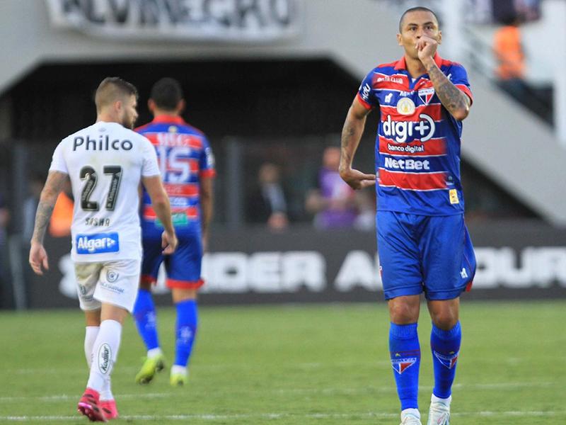 Santos abre 3 a 0 na Vila, mas cede empate ao Fortaleza e cai para segundo