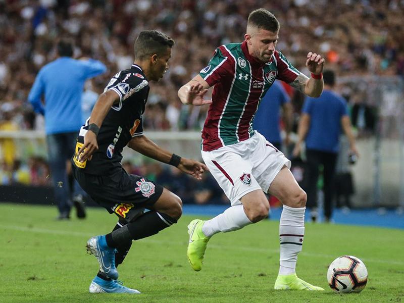 Pedrinho marca, Corinthians empata com o Fluminense e está na semis da Sul-Americana