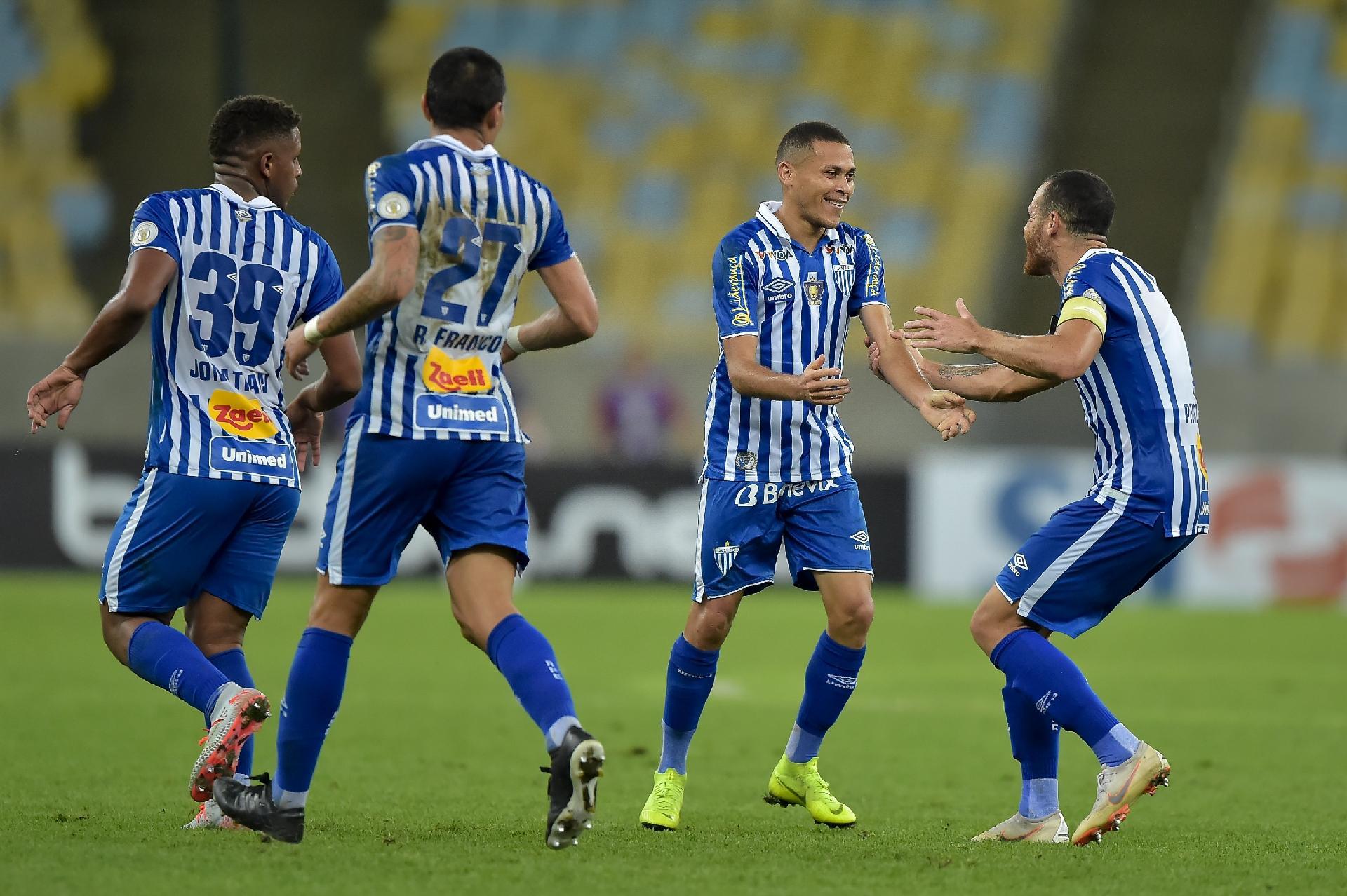 Avaí vence primeira no Campeonato Brasileiro e complica Fluminense