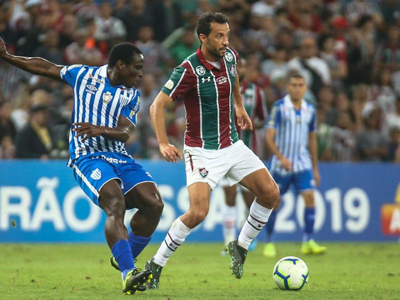 Fluminense perde em casa do lanterna Avaí e agrava a crise no clube