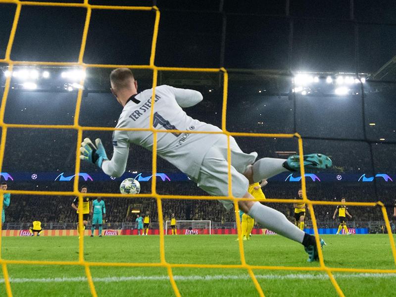 Ter Stegen brilha e Barcelona empata com o Borussia Dortmund