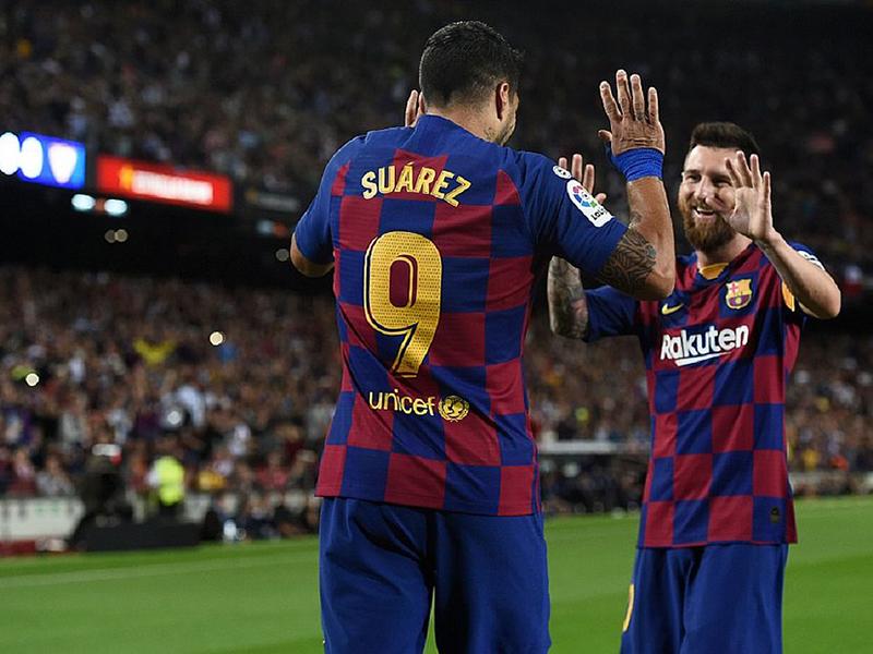 Com golaços de Messi e Suárez, Barcelona goleia o Sevilla no Camp Nou