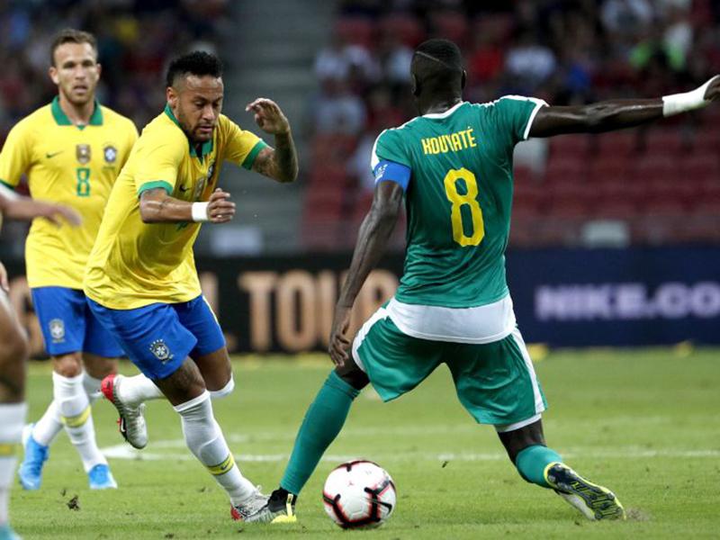 Brasil joga mal mais uma vez e amarga empate com o Senegal
