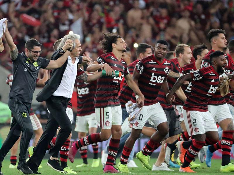 Flamengo massacra o Grêmio e fará a final da Libertadores com o River Plate