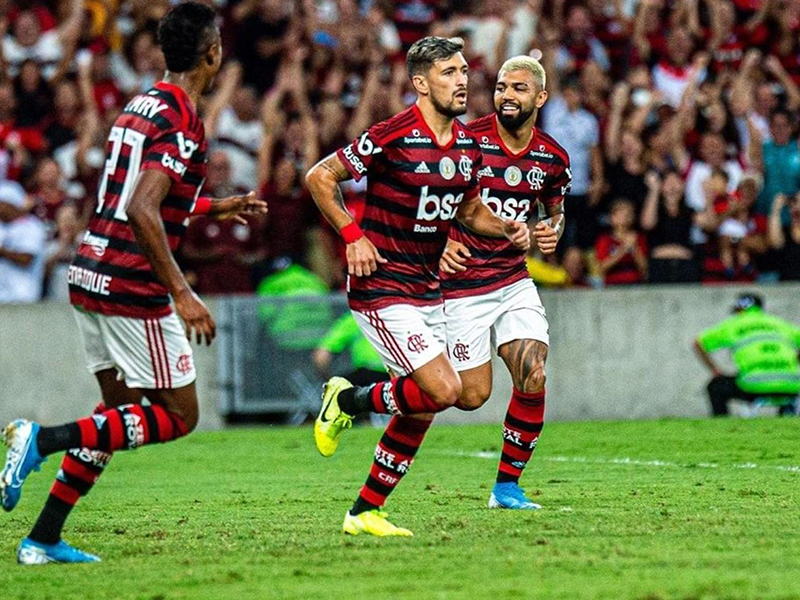 Flamengo bate o CSA e mantém 10 pontos de vantagem na liderança do Brasileirão