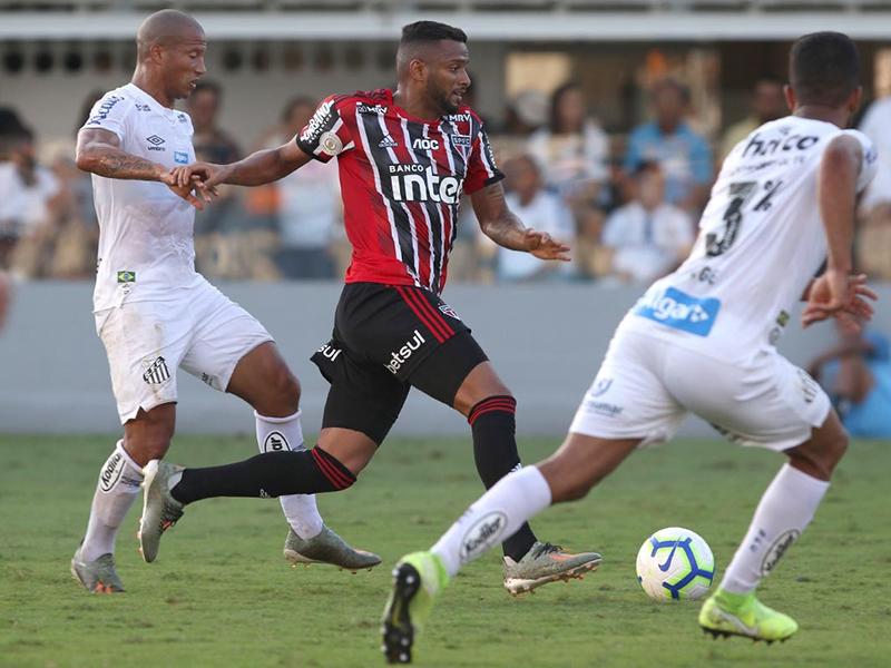 Santos empata com São Paulo e perde chance de assumir 2º lugar no Brasileirão
