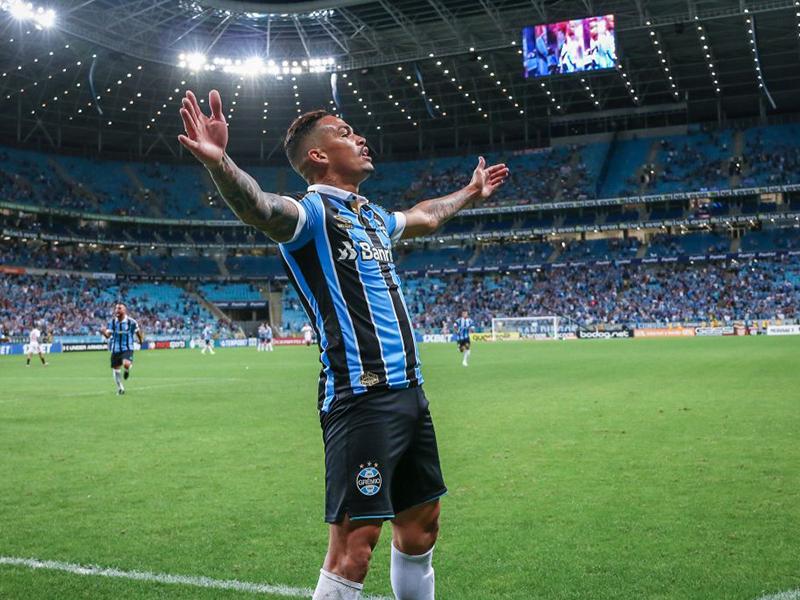 Grêmio goleia o São Paulo e se garante na fase de grupos da Libertadores