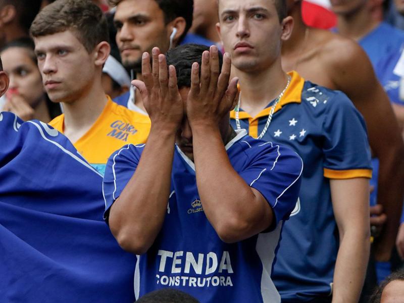 O Cruzeiro está rebaixado para a Série B do Campeonato Brasileiro