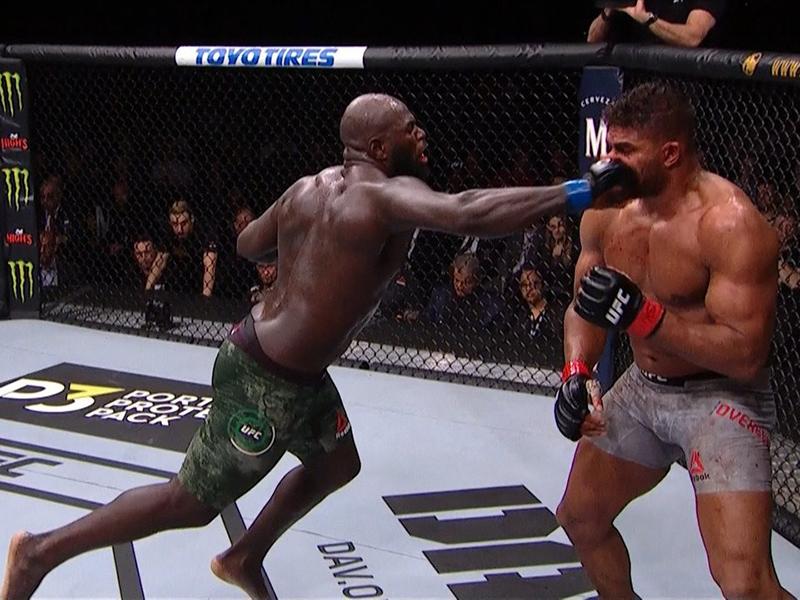 UFC: Overeem sofre corte assustador no lábio e perde para Jairzinho