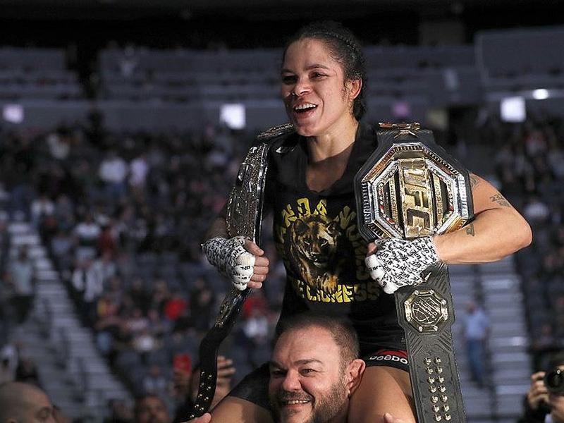 Amanda Nunes bate Germaine por pontos e mantém o cinturão; Aldo é superado por Marlon