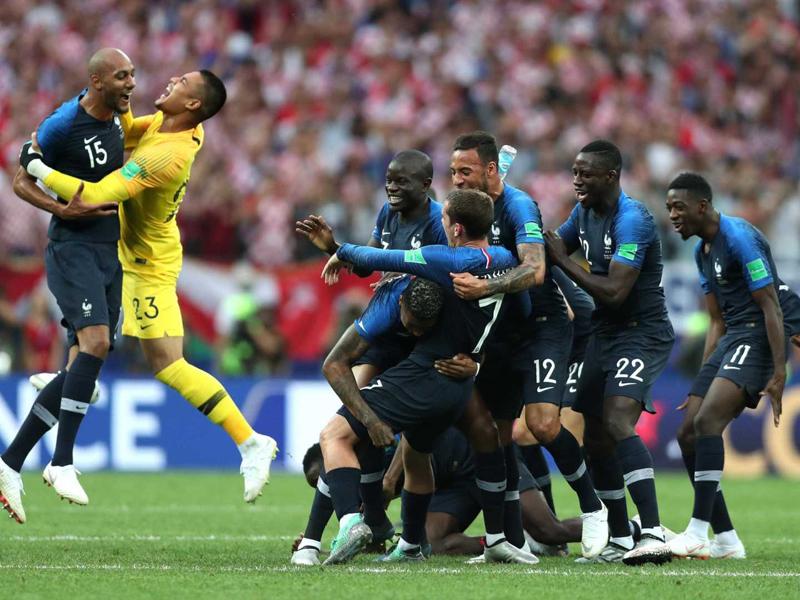 França faz 4 a 2 na Croácia e é bicampeã do mundo