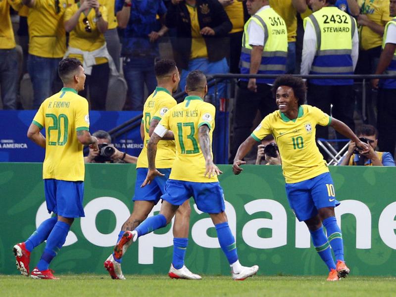 Brasil atropela o Peru e está nas quartas de final da Copa América
